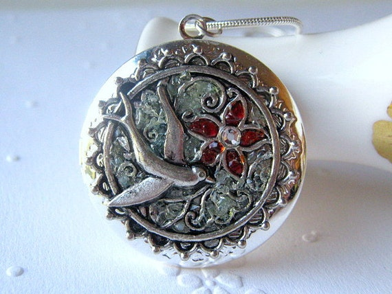 Bird Locket, Sparrow Locket, Silver Bird Locket, Glass Locket, Green Bird Locket, Flower Locket, Locket Necklace, Bird Necklace