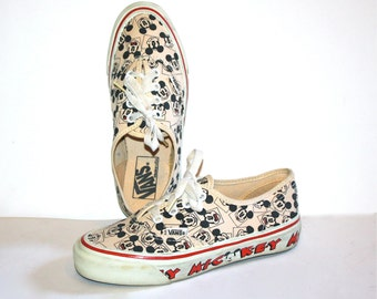 VANS MICKEY Mouse Disney Vintage Sneakers Size Womens 6 - AUTHENTIC -