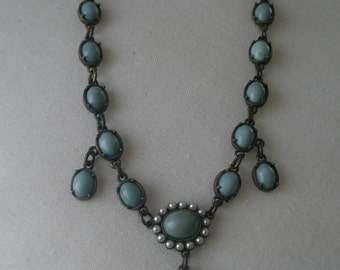 Stunning Faux Turquoise and Pearls Drop Necklace Choker