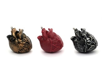Anatomical Heart Resin Steampunk Pendant Vampire Halloween Funky Rockabilly 35mm 29mm Red Antique Silver Gold