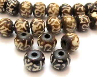 10 BEADS - Tibetan six syllable om mantra Om mani padme hum carved bone beads - HB050A