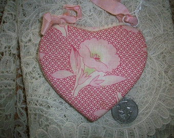 Antique hand made needle case 1930s in heart shape