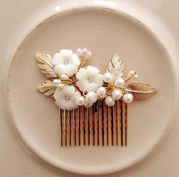 Bridal hair comb fascinator gold and pearls wedding
