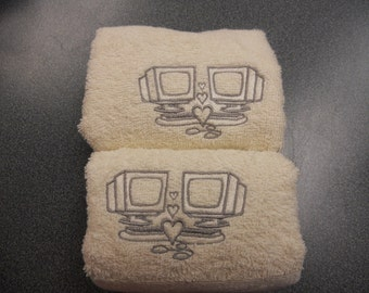 Embroidered Hand Towel Set of 2 (with Monogramming)
