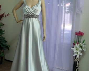 SAMPLE SALE. Floor Length Retro Glam Bridal Gown. Beautiful Platinum Color.