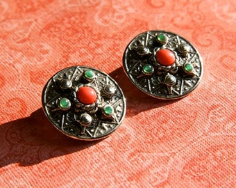 SALE! Beautiful silver clip earrings with coral and green stones
