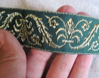 Corinthian Plume Jacquard Ribbon in GOLD  and Dark Green