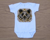 G is for Grizzly - hand drawn, hand printed t-shirt or onesie, damask pattern