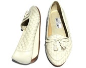 Vintage Trotters  Dk. Cream/Tan Leather Weave Bow Wedge Heel Dress Shoes Sz. 10