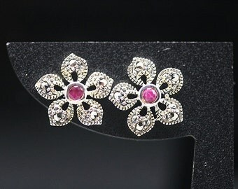1pair(te-0040) - sterling silver earrings with marcasite and natural ruby