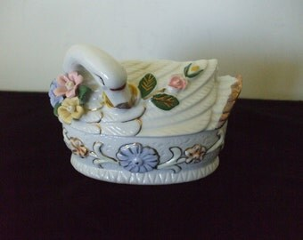 White Swan Trinket Box -  Roses - Gold Accent - Vintage - Jewelry - Gifts - Ceramics - Home Decor #019