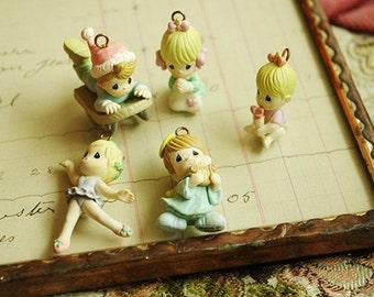 1set    lovely   little doll