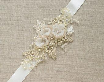 Champagne Bridal belt Wedding dress sash Floral belt sash Narrow Bridal sash Beaded Wedding belt Ivory sash belt Thin belt unique rhinestone
