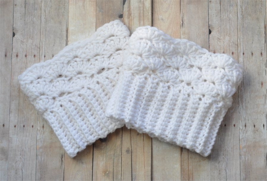 Crochet Boot Cuffs With Lace Pattern : Item Details