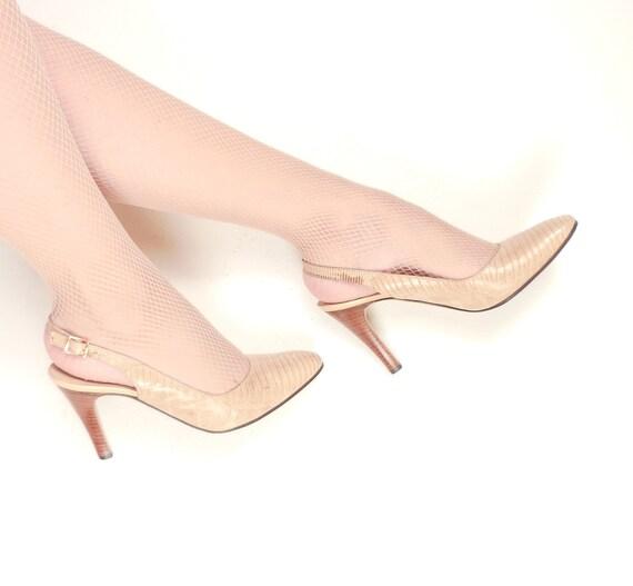 Vintage 1970s Slingback Shoes in Beige Leather / 70s Bruno Magli High Heels  / Size 6 1/2