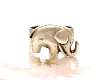 Elephant Ring, Lucky Charm Ring, Baby Elephant Ring, Animal Ring, Chunky Ring, Elephtant Jewelry, Lucky Elephant Ring, Silver Elephant Ring