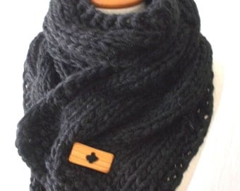 Chunky Scarf Handknit Big Cowl Extra Thick Cabled Soft  in Black  Winter Accessory Men Women Unisex