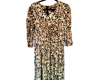 Vintage 1980's Floral Print Ankle-Length Comfy Rayon Dress with Decorative Buttons and Sleeves by Jamie Brooks Women's Size Medium