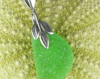 GENUINE Kelly Green Sea Glass Pendant Necklace Leaf Jewelry