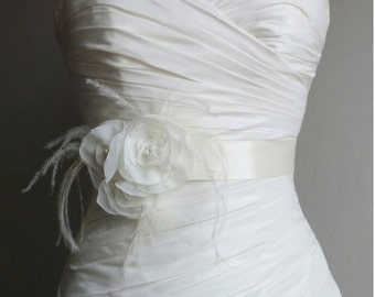 Ivory Bridal Sash with Ivory Ostrich Feathers - Natalie