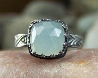 Rose Cut Sea Green Chalcedony Ring - Mermaid Green - Cushion 10mm in Heart Crown Bezel Setting