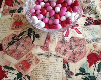 Valentine Table Runner | Romantic Table Runner | Vintage | Postcard | Cream | Valentines | Valentine's