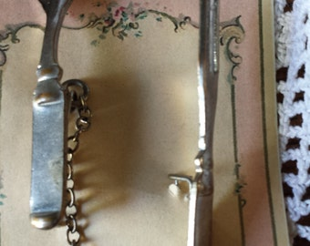 fork and spoon pin....for the food lover in all of us