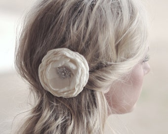 Ivory Floral Hairpiece, Bridal Hair Accessory, Ivory Flower Hair Clip, Floral Headpiece, Ivory Hair Piece, Bridal Hairpiece, Wedding Hair