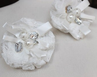 White color beaded  lace   flower  with  pin and clip  back  and  rhinestones1 piece listing