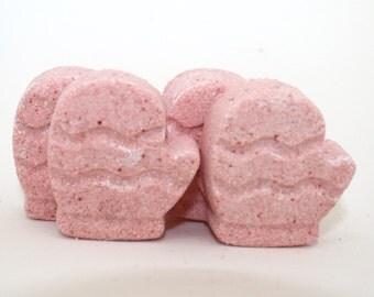 4 Mitten Bath Bombs - winter, christmas, hanukkah, stocking stuffer, party favor, gift exchange, bath fizzie, bath fizzy, bath fizzies
