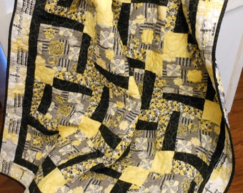 Quilt Lap Size Bold Black Gray And Yellow