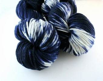 Hand dyed Yarn Superwash Merino Clover Worsted Shibori Indigo Swoon Fibers