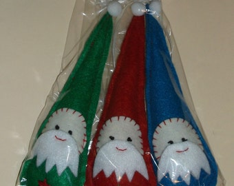 3 Hand Crafted Felt Christmas Santa Claus Retro Ornaments