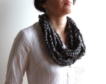 Crochet necklace gray, infinity rope scarf, chunky statement necklace, chain loop scarf, rope necklace, cowl scarf