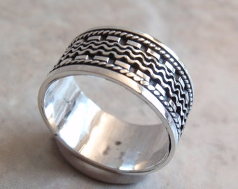 Sterling Silver Band Ring Textured Design Size 7 Vintage CW0164
