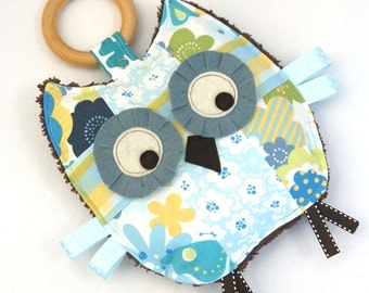 Lulu the Patchwork Owl, Baby Toy, Crinkle Toy, Crinkle Owl, Organic Wood Teething Ring, Baby Girl Gift
