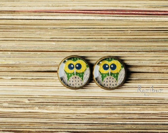 Owl small ear studs - tiny earrings studs - owl jewelry, green yellow earrings studs, gifts idea for her - made to order