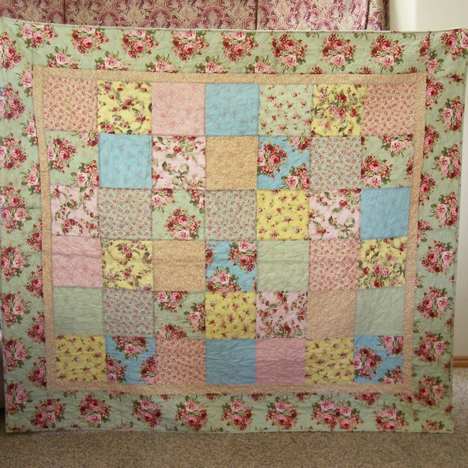Layer Cake Quilt Definition : Patchwork Quilt Multicolored Layer Cake in Pink Yellow Blue