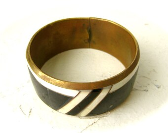 1970s Vintage Chunky Mother of Pearl and Onyx Brass Bangle