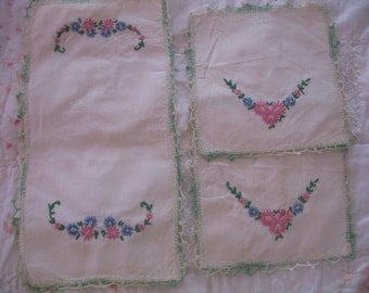 1950's Doilie Set 3, embroidered Flowers