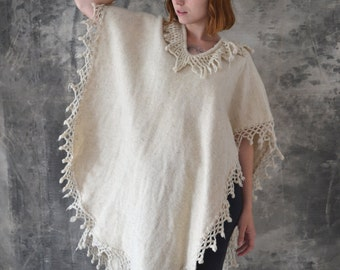 70s Natural Wool Fringe Poncho