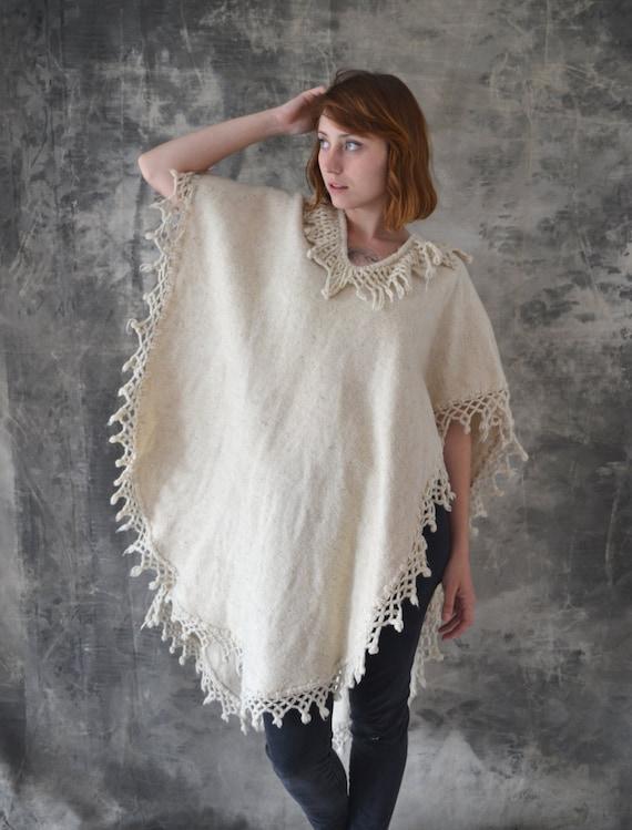 70s Natural Wool Fringe Poncho