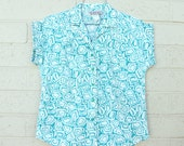 Vintage Top Blouse Shirt White Aqua Teal Blue Abstract Geometric Novelty Print 80s Small Medium