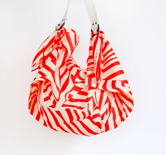 Stripe furoshiki bag (red) & white leather carry strap set