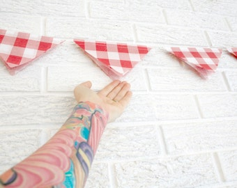 party decor  ... classic bunting garland ... rustic shabby chic wedding decorations // photobooth backdrop  // red checkered picnic romantic