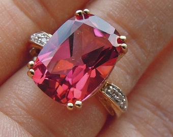 8 Ct. Genuine Pink Red Topaz Ring set in 10k Yellow Gold with Diamonds