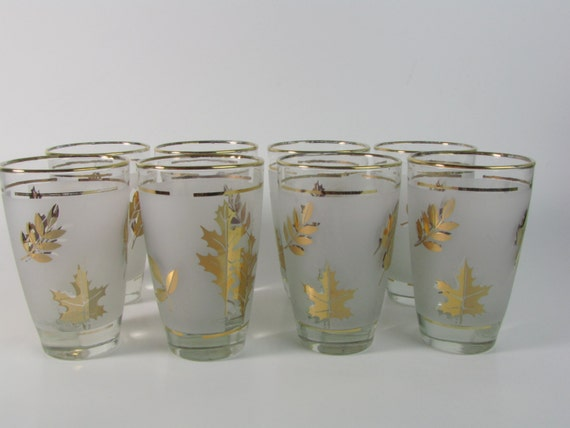 set of 8 vintage libbey gold leaf drinking glasses on frosted