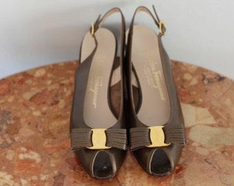Vintage FERRAGAMO Peep Toe BOW Slingbacks / Size 7.5