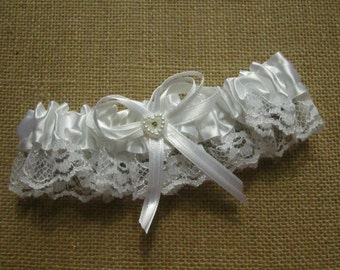 Victoria Lynn Garter - Satin and Lace Trim with Heart - White