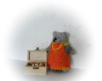 Felted art bear. Wool bear. Eco friendly toy. Manka